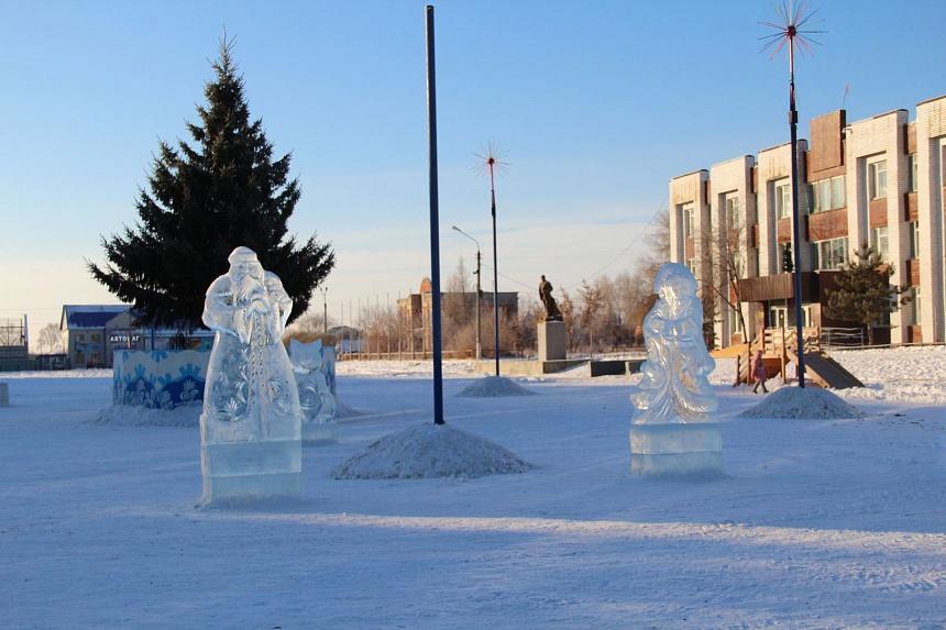 В Коркино неизвестные «помогли» с разбором ледового городка