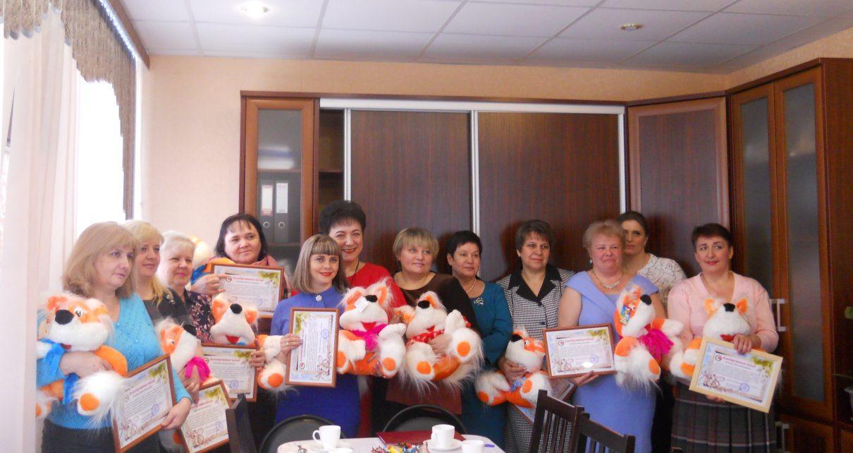 Коркинским мамам вручили поздравительные адреса и мягкие игрушки