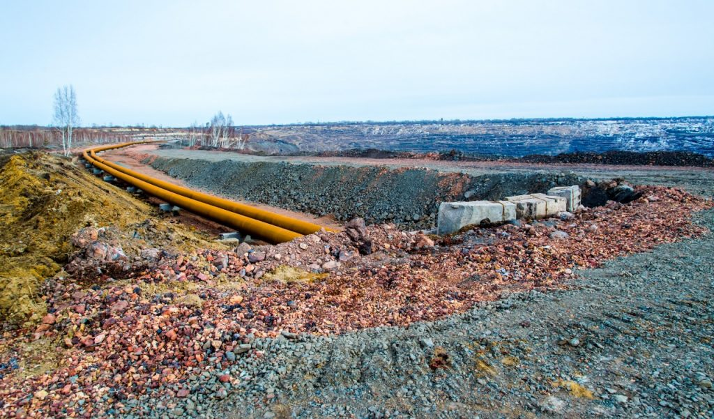 На Коркинском разрезе начали прокладку пульпопровода для ликвидации угольной выработки