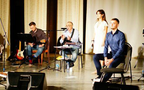 Валерий Межевич приглашает коркинцев  на день рождения и обещает «Открытия»