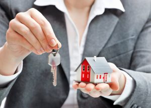 О безопасности сделок с жильём коркинцам расскажет юрист Максим Бабин