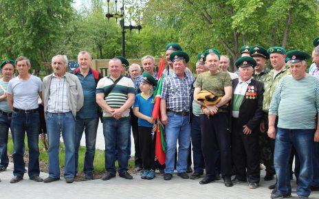 Коркинских пограничников поздравили с праздником