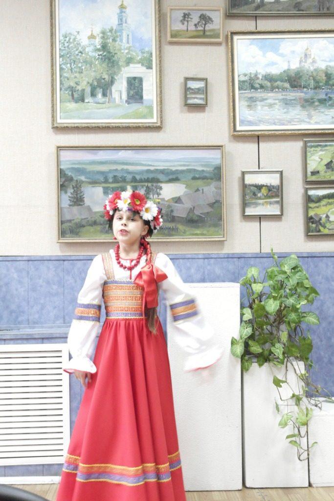 В Коркино презентовали работы юной художницы из Екатеринбурга