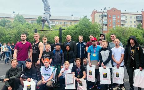 Коркинец Александр Коробейников стал призёром в соревнованиях по воркауту