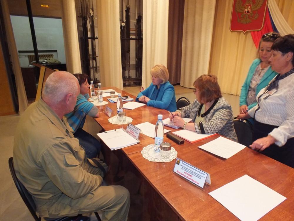 Более трёхсот коркинцев пришли на встречу с министром социальных отношений