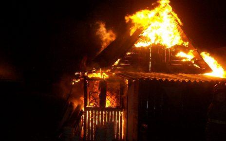 В Коркино из-за перекала печи сгорел садовый домик