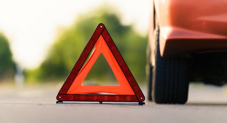 В Коркино водитель отвлёкся от дороги и въехал в две машины