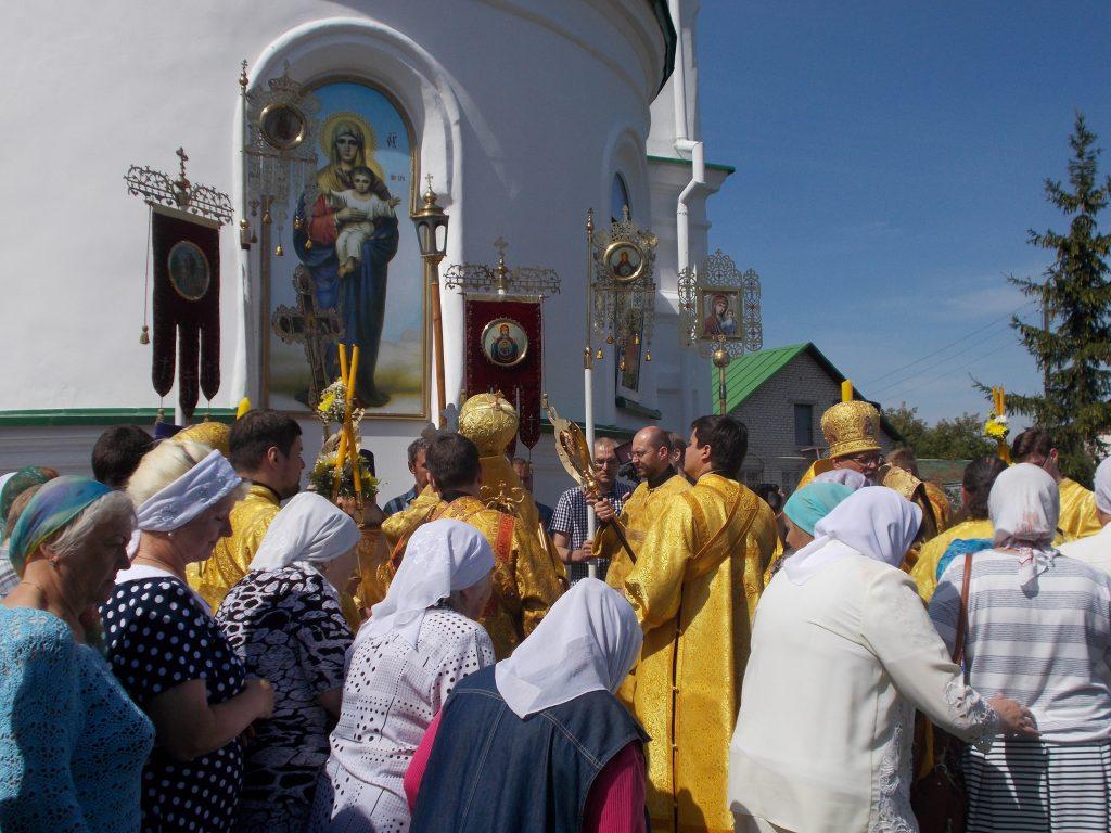 В престольный праздник святых апостолов Петра и Павла митрополит Григорий поздравил коркинцев