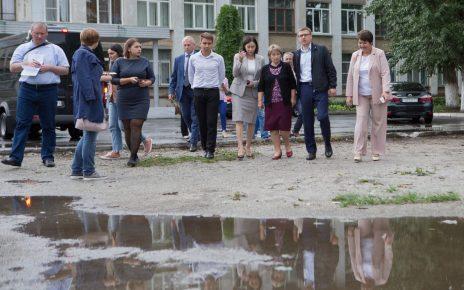 Алексей Текслер поручил разобраться с работой городских очистных сооружений