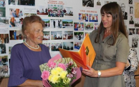 Наталья Лощинина с юбилеями поздравила Зою Малюгину и Светлану Кумпан