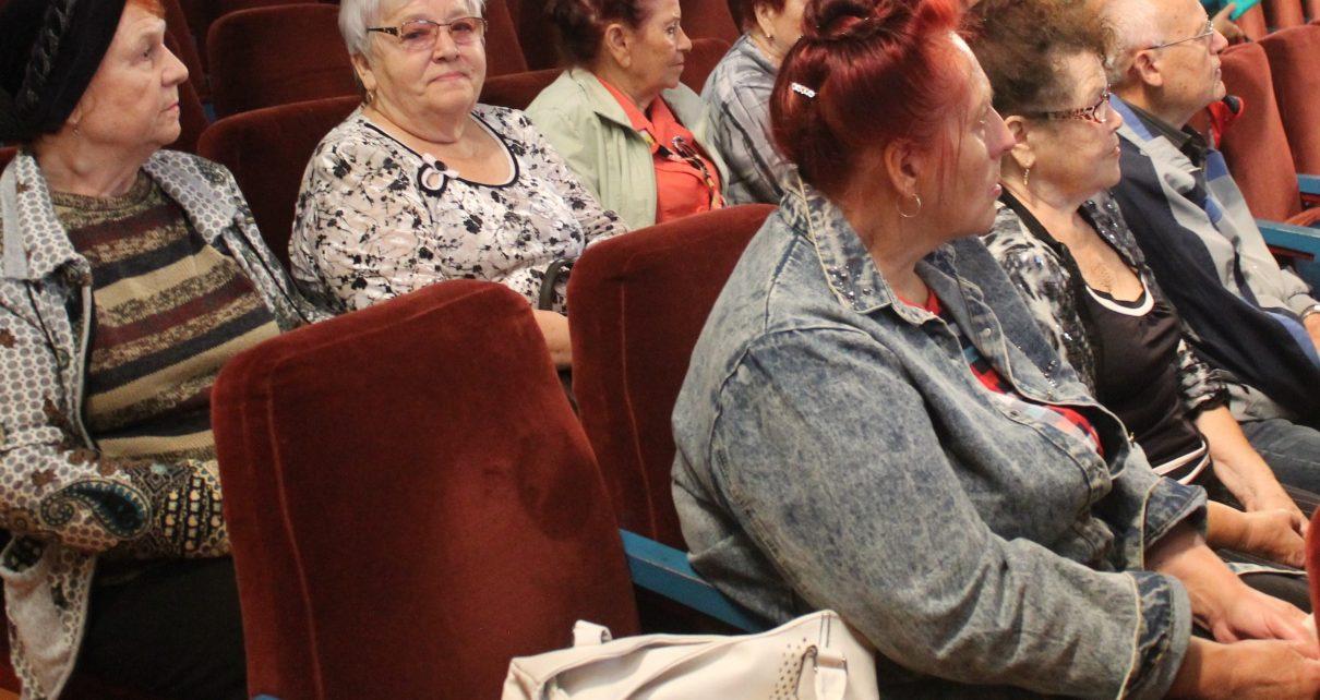 Специалисты отделения социального обслуживания на дому оказали коркинцам почти 45 тысяч услуг