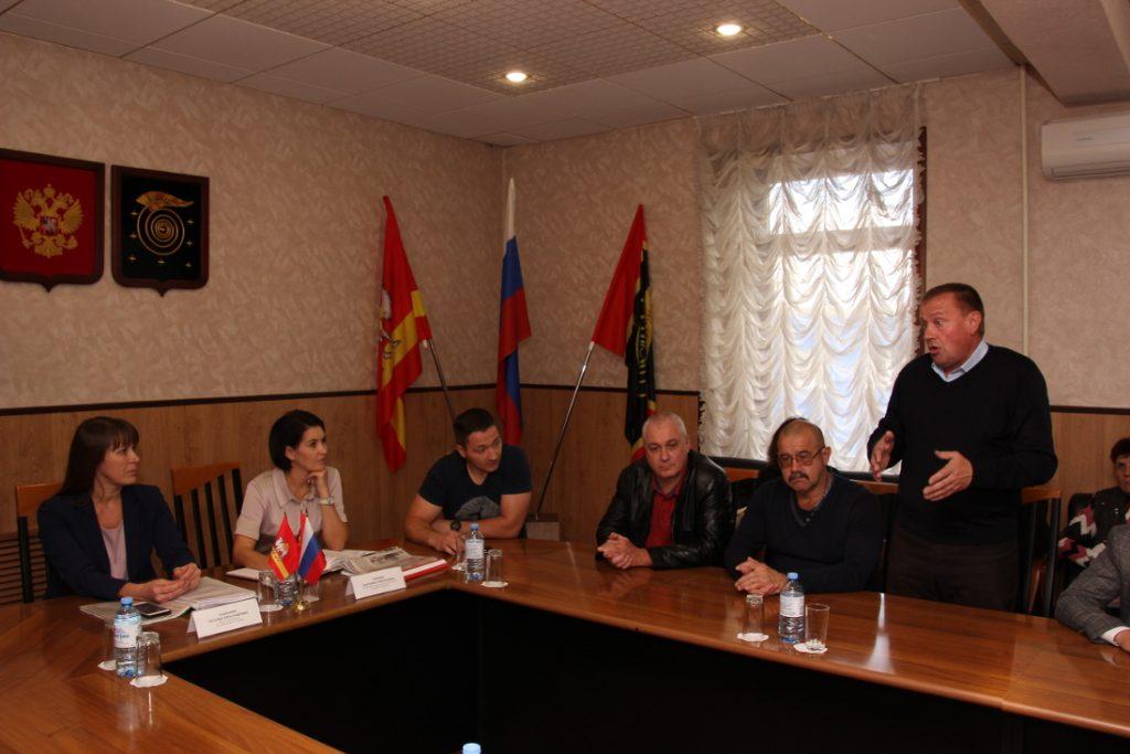 Маргарита ПАВЛОВА посетила Коркино, чтобы разобраться в ситуации с похоронным бюро
