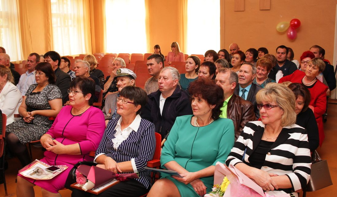 В Коркино сотрудники и выпускники училища № 33 отметили 75-летний юбилей училища