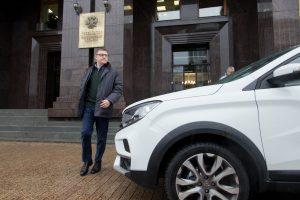 Губернатор поздравляет автомобилистов с наступающим праздником