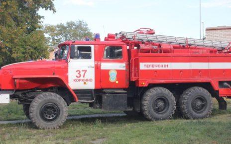 В Первомайском сгорели мотоцикл и грузовик