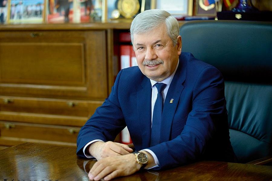 Владимир Мякуш поздравляет южноуральцев с днём рождения «Единой России»