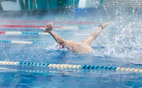 В Коркино набирают детей в секцию по плаванию