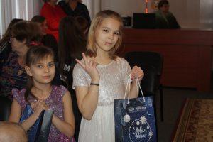 Русская медная компания подарила сладкое «настроение» центру «Добрые сердца»