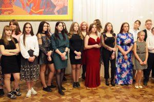Юные общественники приняли новичков на балу
