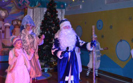 Юные артисты из Первомайского представили новогоднюю сказку