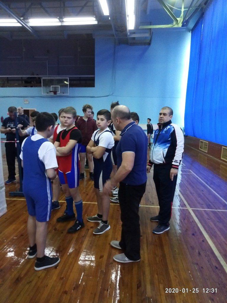 Коркинские силачи дебютировали в первенстве области