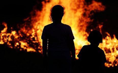 В Первомайском горел частный дом. Погорельцам нужна помощь!