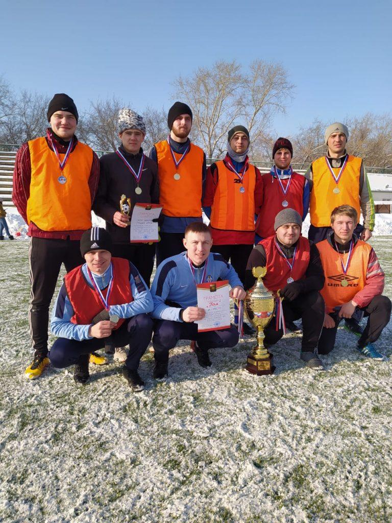 Открытое первенство Коркинского района по зимнему мини-футболу вновь выиграл розинский «Гол»!