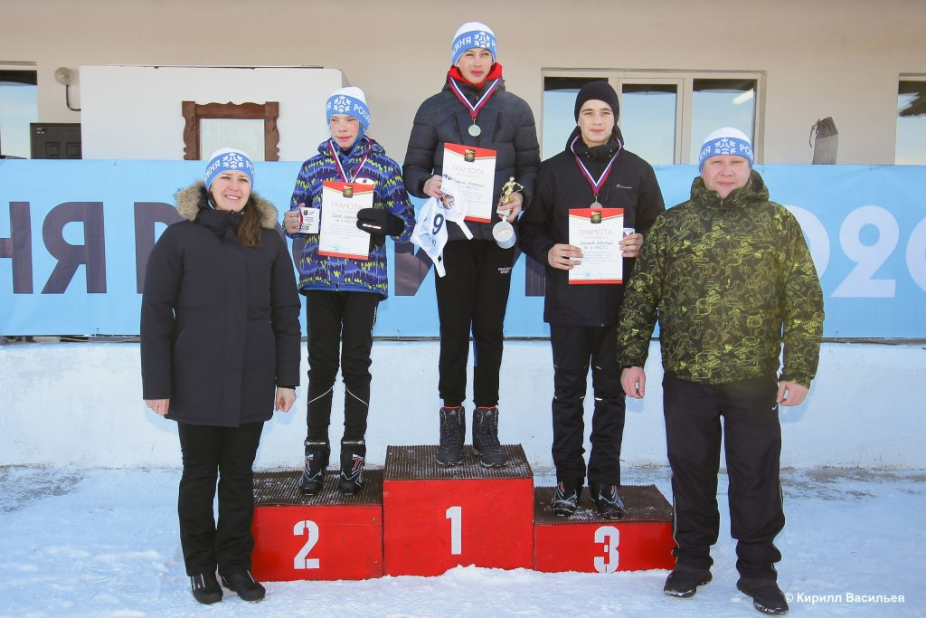 Более 200 человек вышли на «Лыжню России» в Коркинском районе