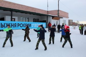 Инспектор ГИБДД Сергей Шишминцев поднял 24-килограммовую гирю более 40 раз!