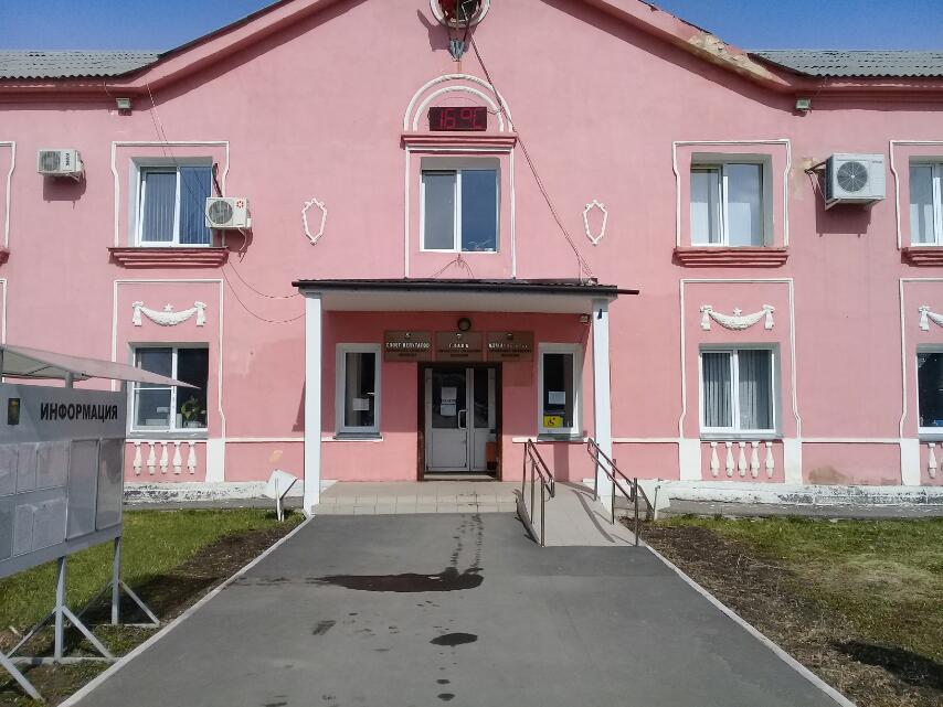 Коркинец, въехавший в здание городской администрации, готов возместить ущерб