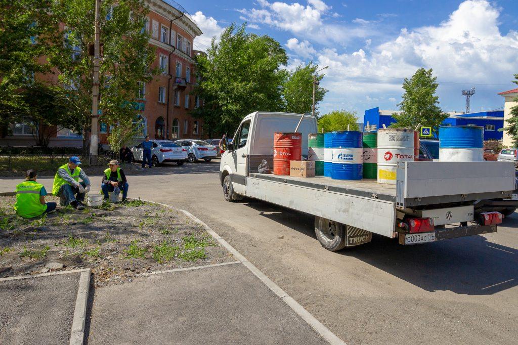 Сотрудники администрации Коркинского района и подведомственных учреждений преобразили центр города