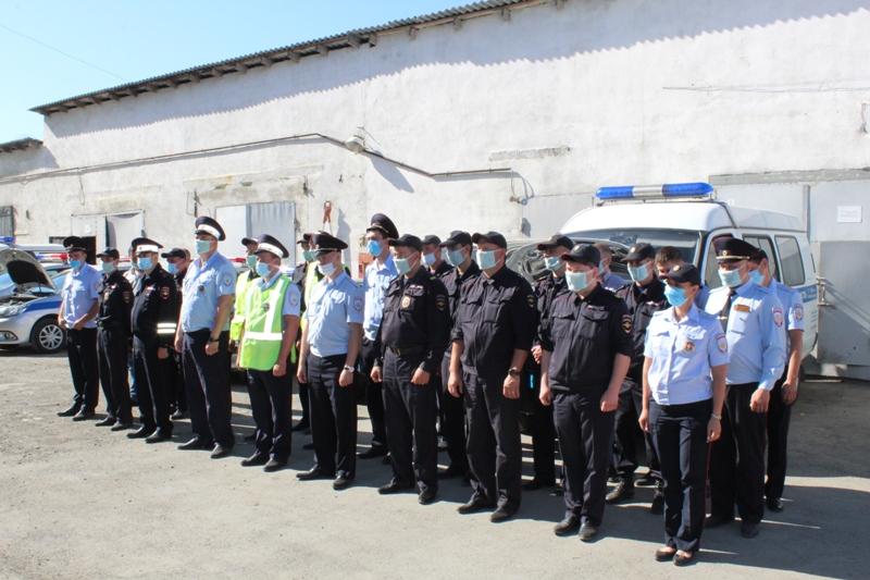 Ревизоры проверили состояние автомобилей коркинских полицейских