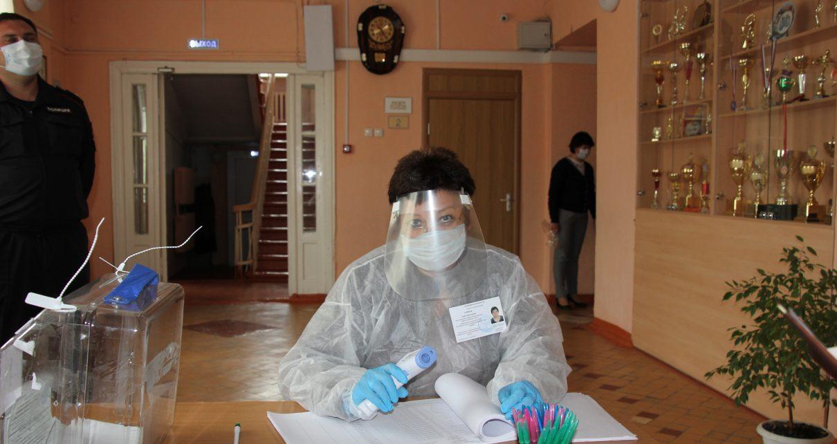 За 2 часа в Коркинском районе проголосовало 592 человека. Всех ждут на избирательных участках!