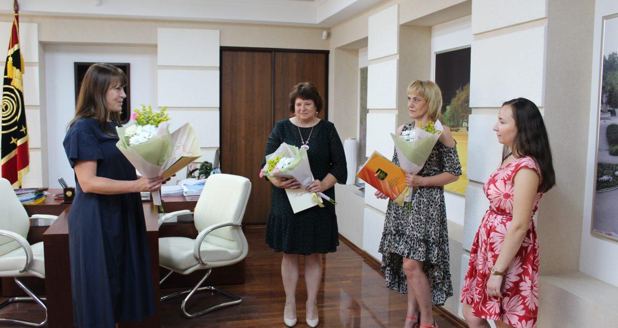 Сегодня – День российской почты: Ирина Корепова и Ирина Шульга награждены почётными грамотами главы района