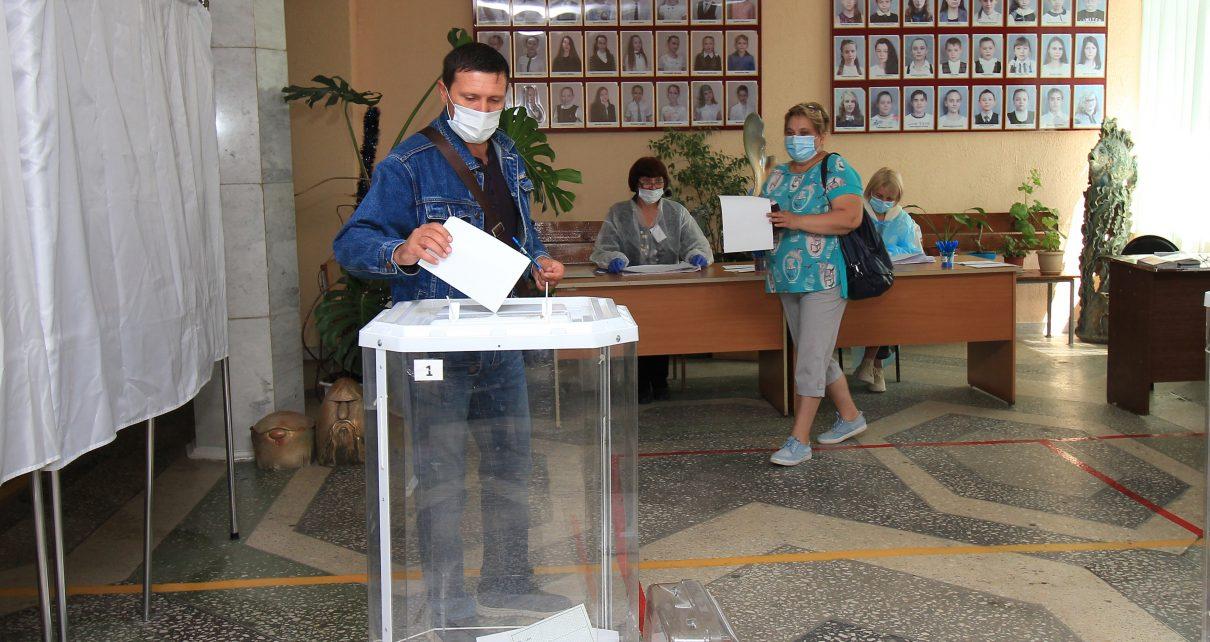 Уже более 60 процентов коркинцев высказали своё мнение по внесению поправок в Конституцию