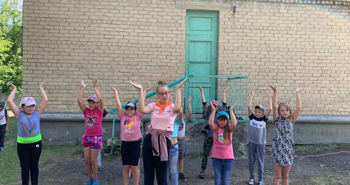 Коркинских ребятишек поощрили грамотами и сладкими призами