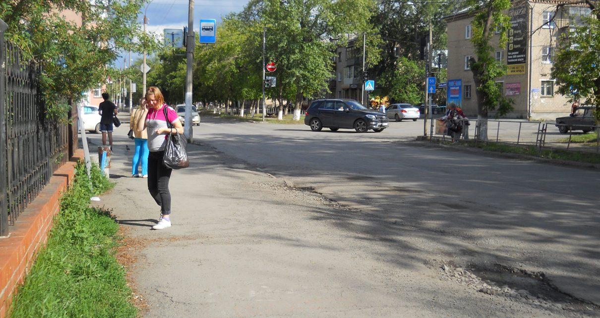 В Коркино две женщины попали под колёса авто