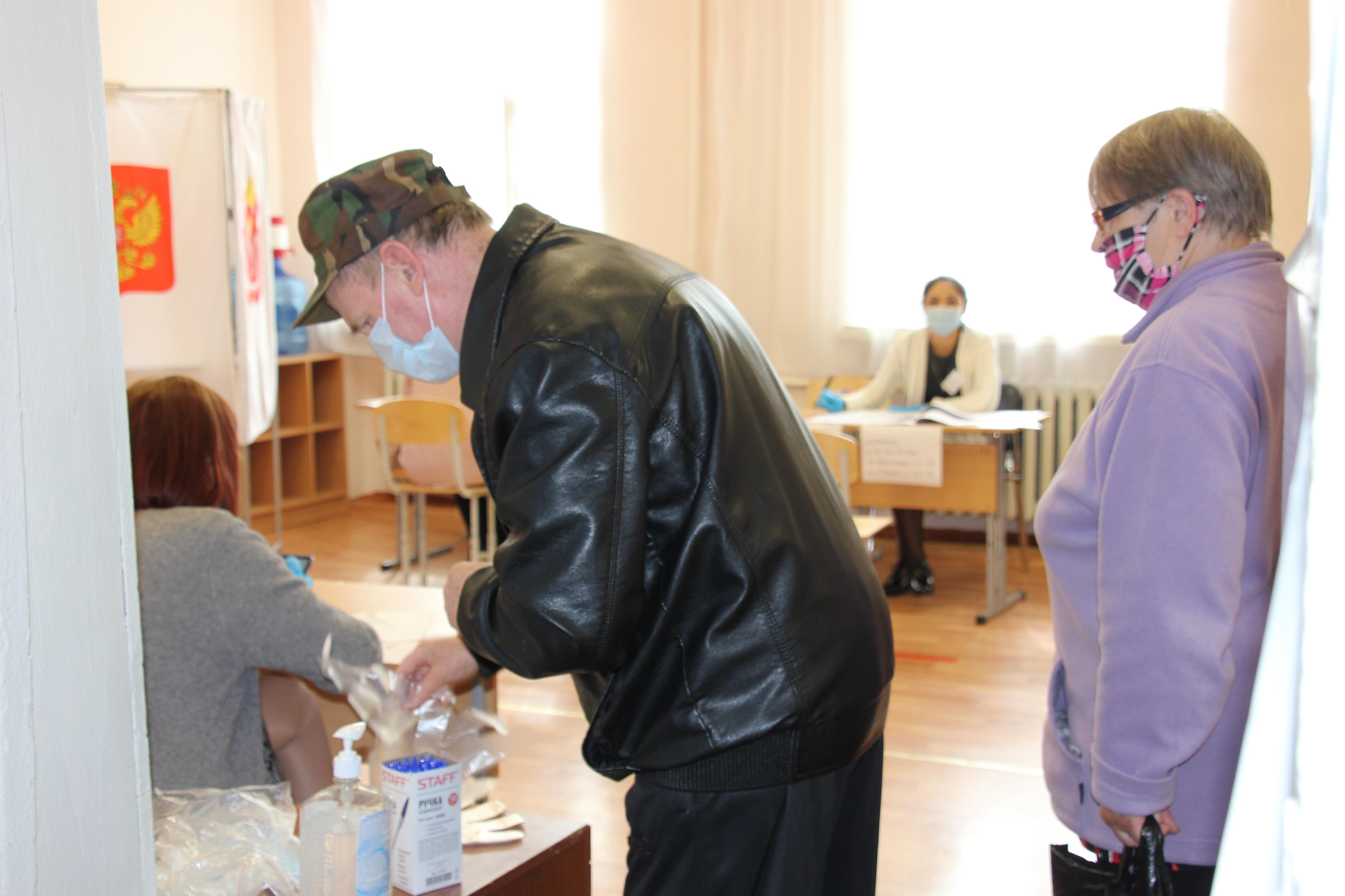 Все коркинские избирательные участки обеспечены масками и антисептиками