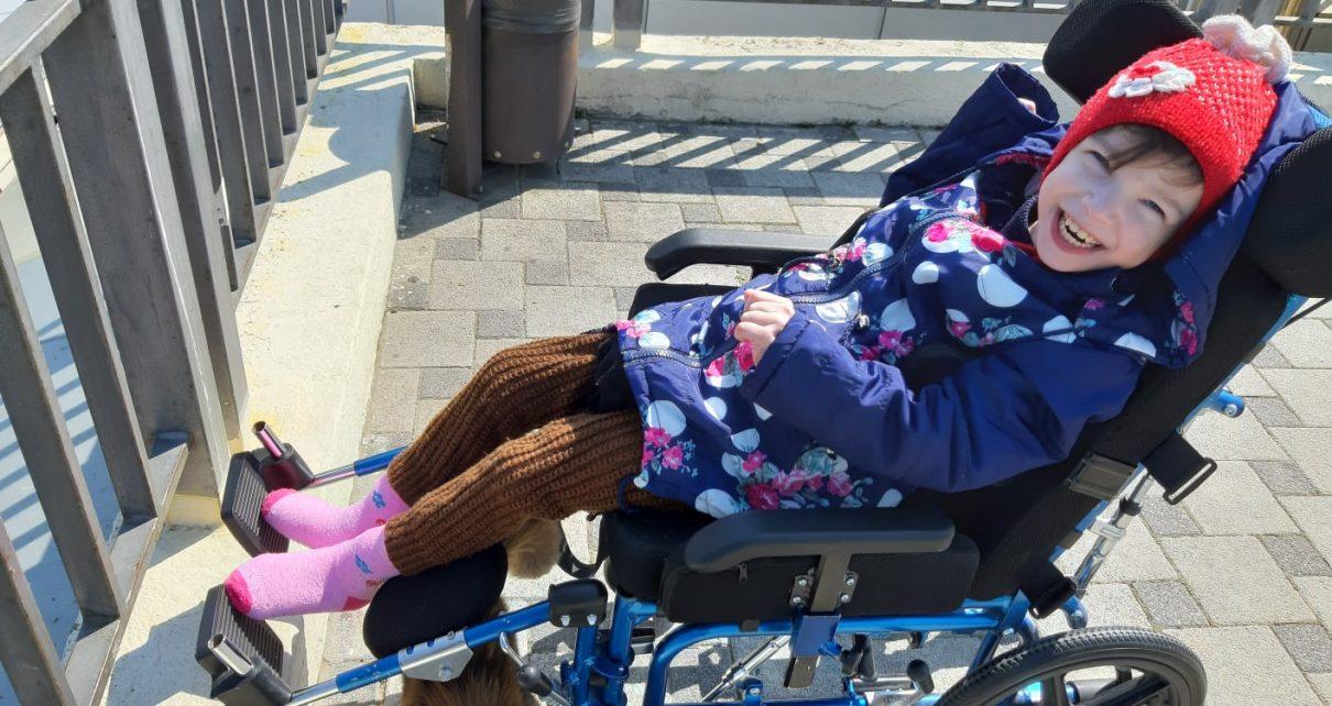 Десятилетней жительнице Коркино требуется помощь