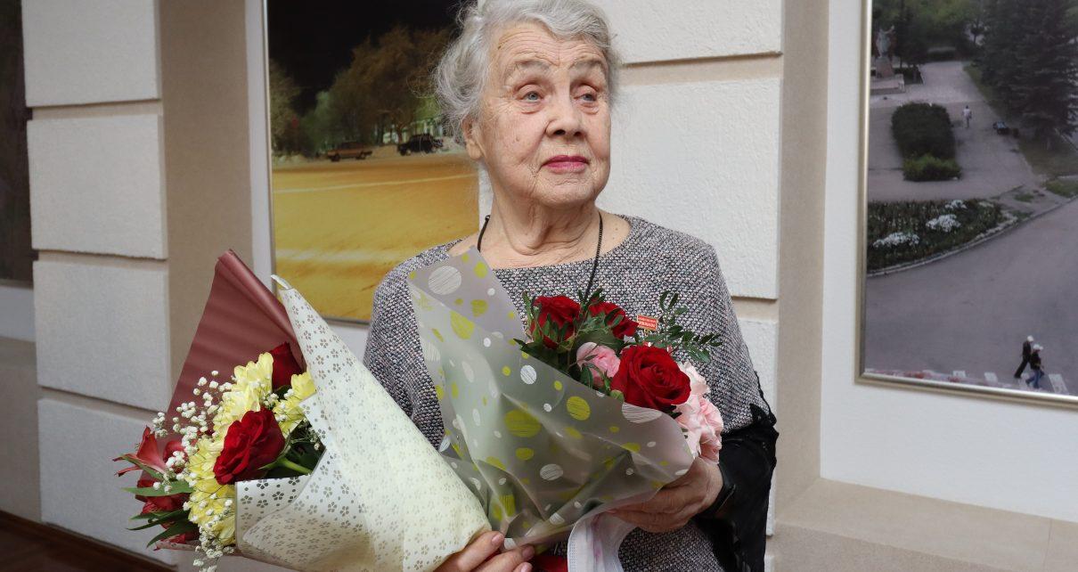 Почётный гражданин Коркинского района Лидия Суслова получила премию «Общественное признание»