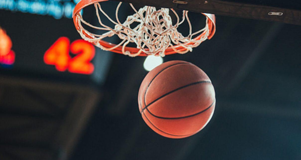 Новогодний шоу-турнир «Баскет-шоу» памяти Сергея Максименко пройдёт в двадцать первый раз