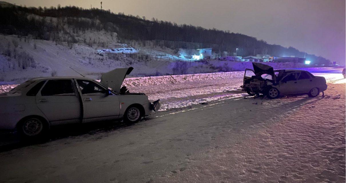 Водитель не справился с управлением авто во время снегопада и спровоцировал ДТП
