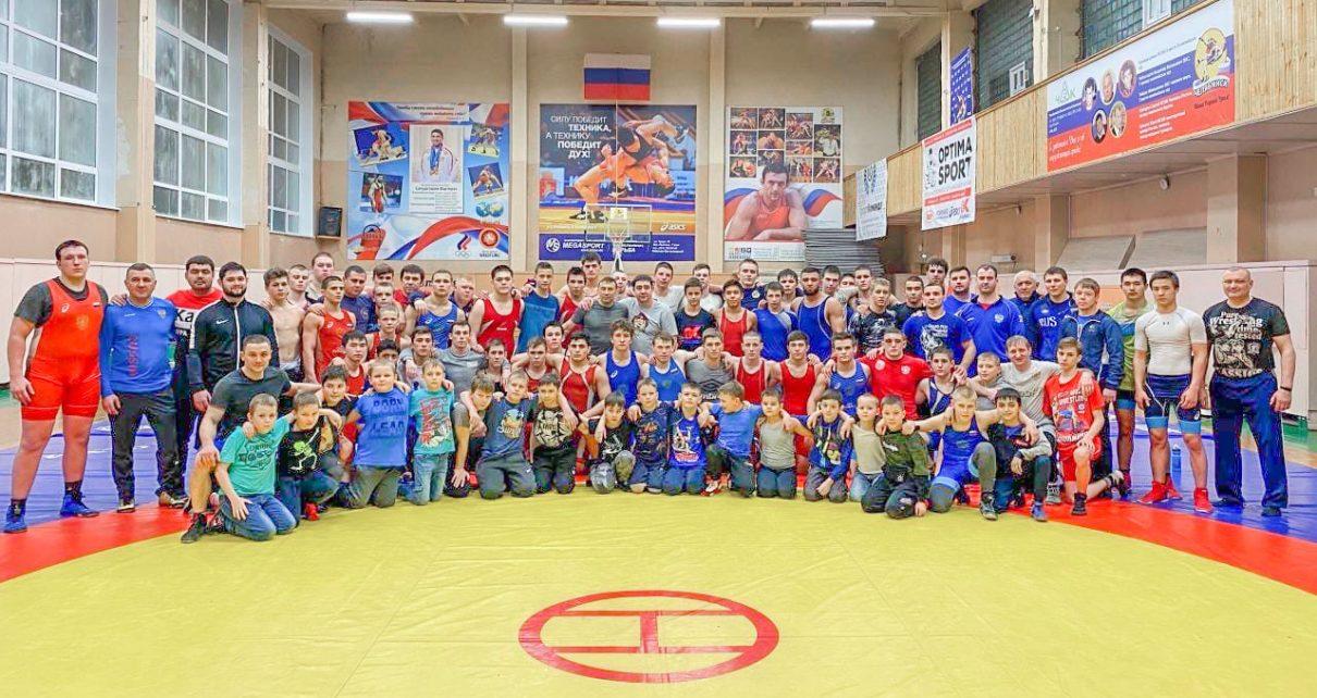 Коркинские борцы – на сборах в Челябинске