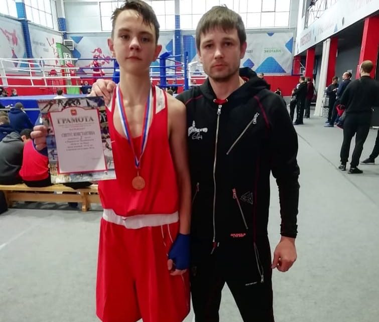 Коркинец Константин Светус выиграл первенство области по боксу