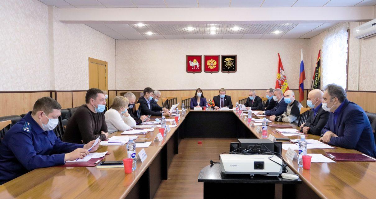 Депутаты Коркинского района провели внеочередное заседание