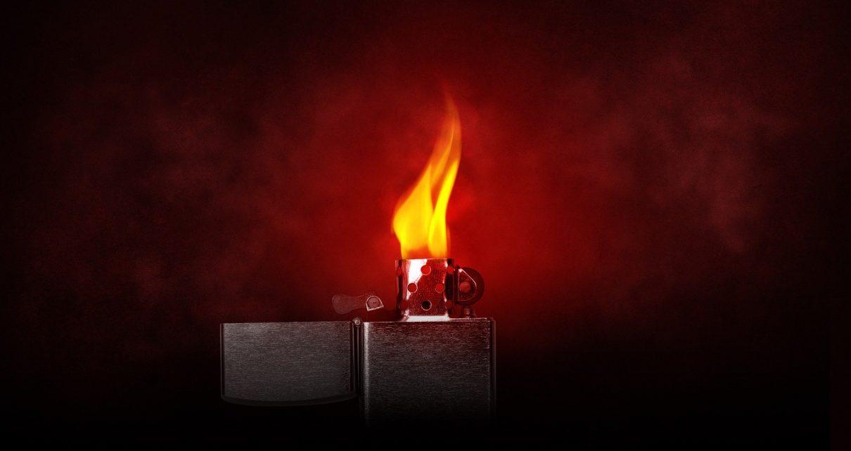 Из-за неосторожности при курении в Коркино чуть не сгорел весь дом