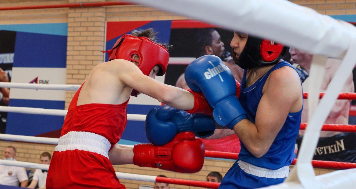 В Коркино в ФОКе РМК началось первенство Челябинской области по боксу среди юношей