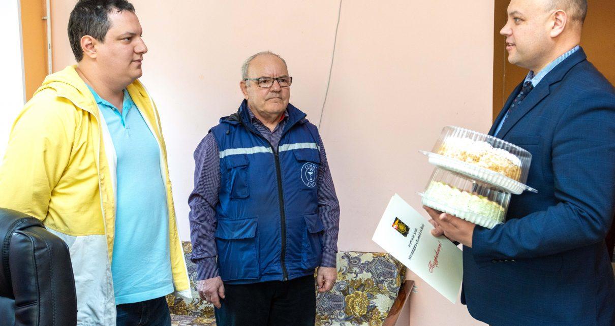 Коркинских сотрудников скорой помощи впервые поздравили с профессиональным праздником
