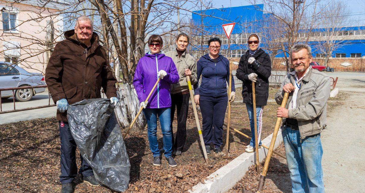 Коркинские коллективы начали масштабную уборку на улицах города