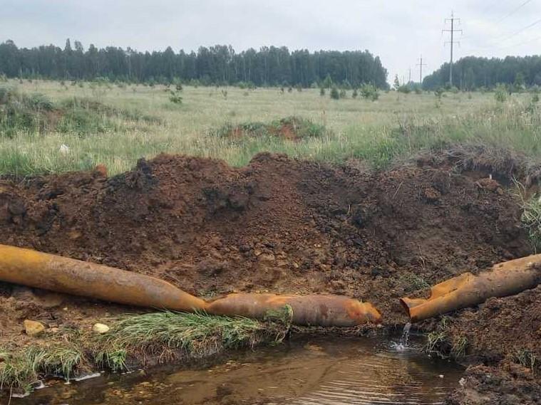 В Коркино украли водопроводную трубу. Для жителей организован подвоз воды